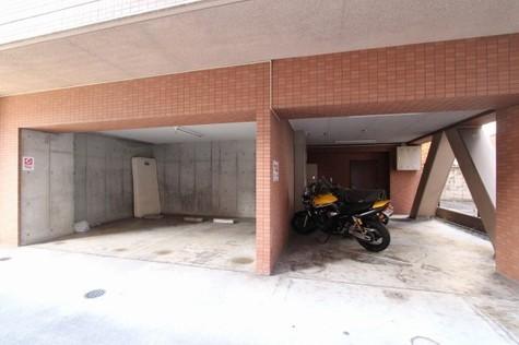 バイク置場・駐車場