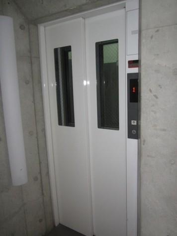 エレベーターも御座います。