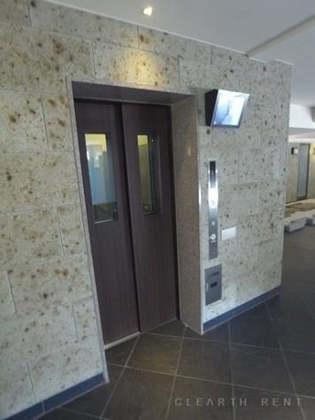 メゾンカルム西新宿 建物画像9