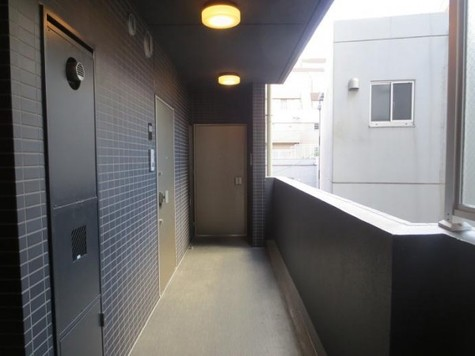 キレイに管理された廊下
