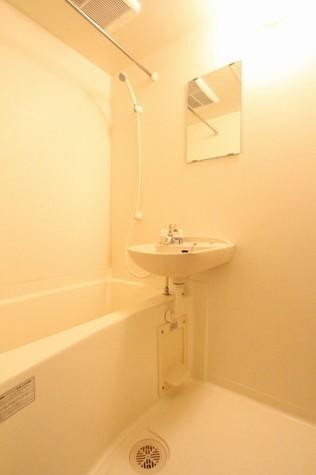 参考写真:浴室(別タイプ・1階)