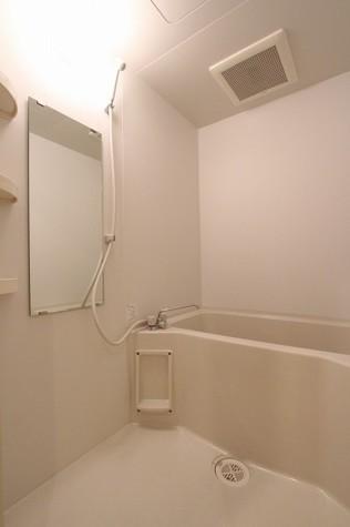 参考写真:浴室(9階・反転タイプ)