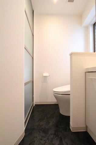 参考写真:サニタリールーム(4階・同タイプ)