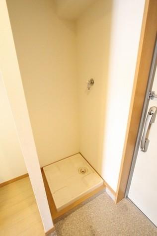 参考写真:洗濯機置き場(2階・別タイプ)