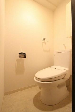 参考写真:トイレ(4階・別タイプ)
