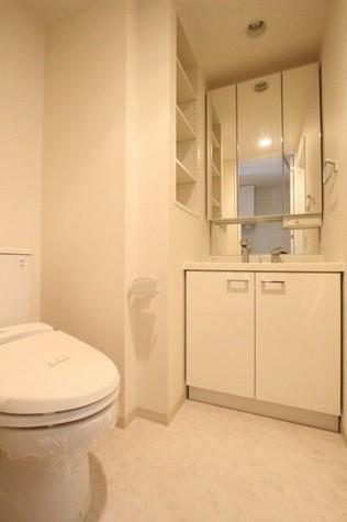 参考写真:サニタリールーム(8階・別タイプ)