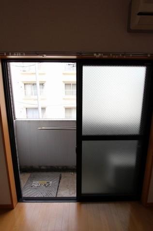 参考写真:バルコニー(2階・類似タイプ)