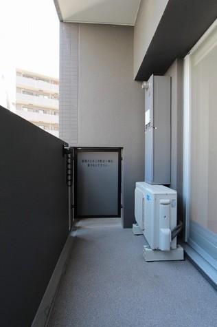 参考写真:バルコニー(9階・反転タイプ)