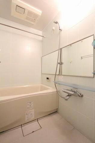 参考写真:浴室(8階・別タイプ)