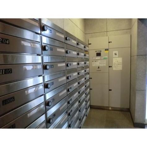 宅配BOXと郵便ポスト