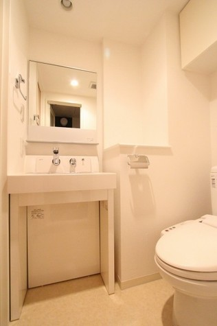 参考写真:サニタリールーム(10階・反転タイプ)