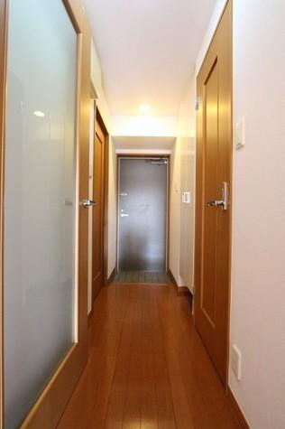 参考写真:廊下・玄関(2階・別タイプ)