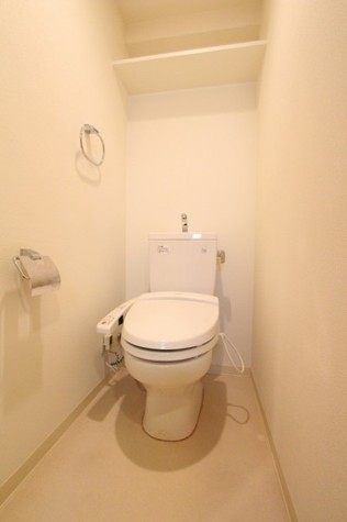 参考写真:トイレ(2階・別タイプ)