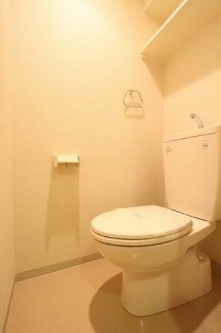 参考写真:トイレ(9階・類似タイプ)