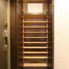 参考写真:下足入れ(4階・別タイプ)