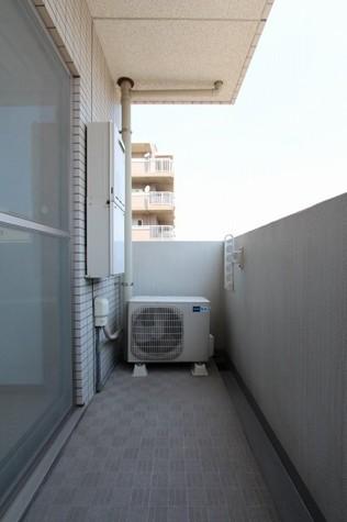 参考写真:バルコニー(6階・別タイプ)