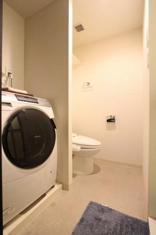 参考写真:トイレ・脱衣室(4階・反転タイプ)
