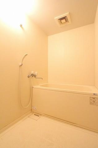 参考写真:浴室(1階・別タイプ)