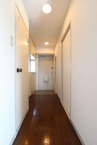 参考写真:廊下・玄関(9階・別タイプ)