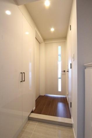 参考写真:玄関・廊下(12階・反転タイプ)