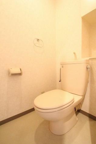 参考写真:トイレ(3階・反転タイプ)