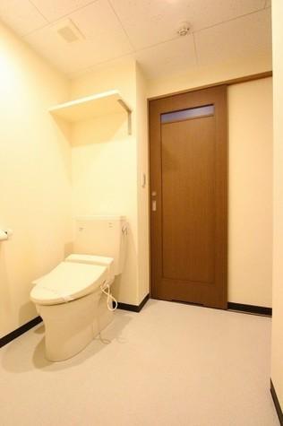 参考写真:トイレ(3階・別タイプ)
