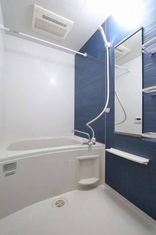 参考写真:浴室(4階・類似タイプ)