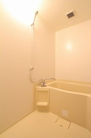 参考写真:浴室(反転タイプ)