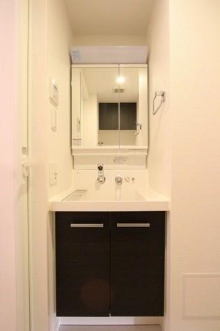 参考写真:洗面台(11階・同タイプ)