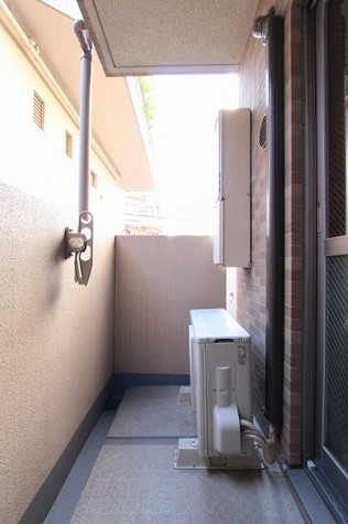 参考写真:バルコニー(2階・別タイプ)