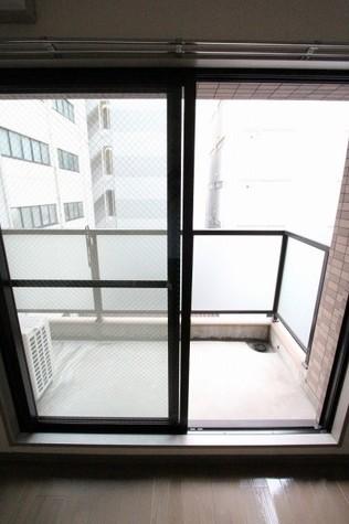 参考写真:バルコニー(5階・類似タイプ)