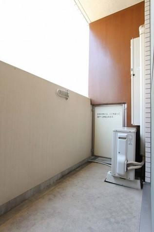 参考写真:バルコニー(4階・別タイプ)