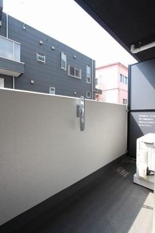 参考写真:バルコニー(3階・別タイプ)
