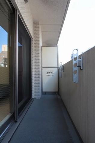 参考写真:バルコニー(4階・反転タイプ)