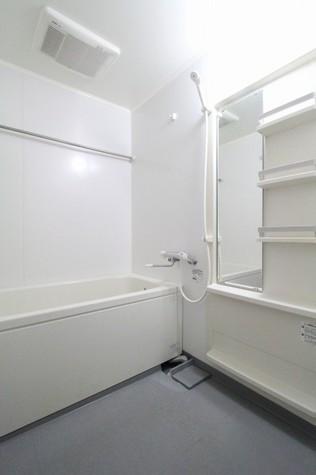 参考写真:浴室(2階・反転タイプ)