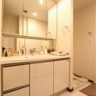 参考写真:洗面・洗濯機置場(6階・別タイプ)