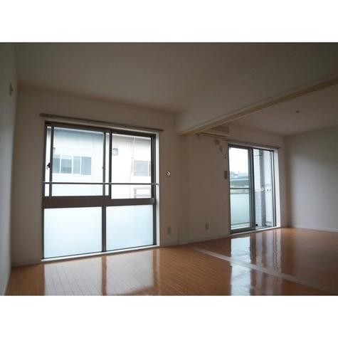ヨコハマベルフラッツNORTH&SOUTH / 2階 部屋画像2