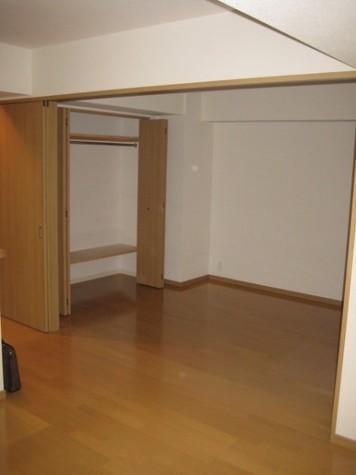 渋谷山手通りSTレジデンス / 9階 部屋画像2