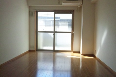 フレール / 4階 部屋画像2