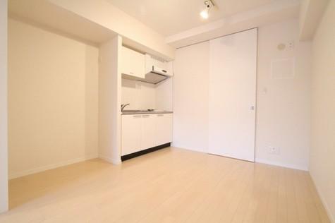 参考写真:ダイニングキッチン(2階・反転タイプ)