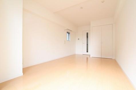 参考写真:洋室(7階・別タイプ)