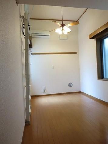 1階の写真です。2階は腰窓で…
