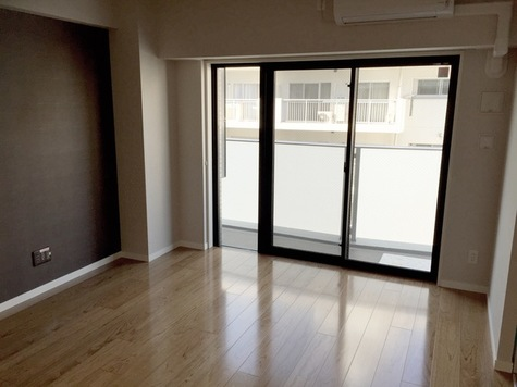 CP HOMES / 5階 部屋画像2