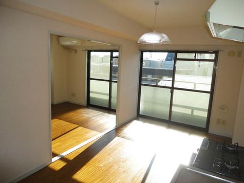 クリスタルマンション / 3階 部屋画像2