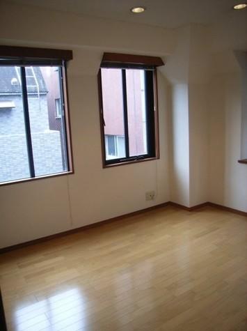 信濃町三番館 / 3階 部屋画像2
