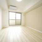 明るい色合いの室内