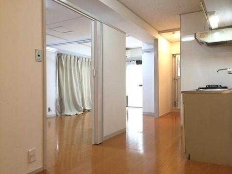 キングスコート / 1階 部屋画像2