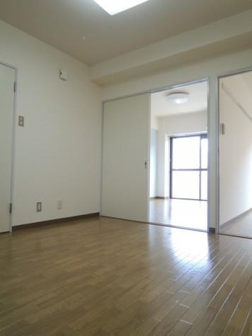 他号室のお部屋になります。