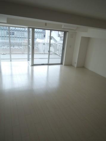 田町イースト / 9階 部屋画像2