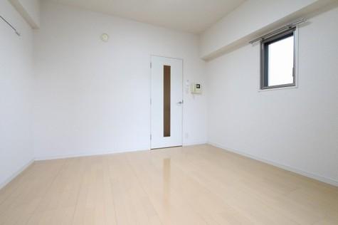 参考写真:洋室(9階・類似タイプ)